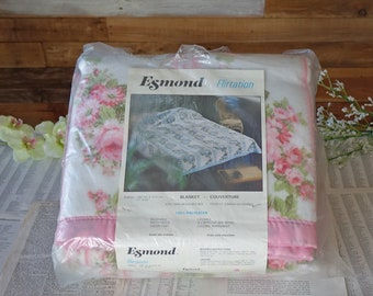 Vintage white and pink blanket  71 in. X 83 in. Fits Twin or Double bed Floral blanket