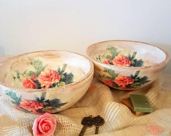 Wooden shabby chic bowl