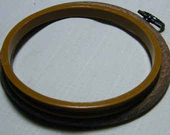 """3"""" (7.5cm), 4"""" (10cm) 5"""" (12.5cm) Round woodgrain Flexihoops, use as embroidery hoop or mounting counted cross stitch.  Frames."""