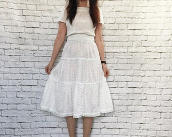 Vintage 70s Eyelet Lace Tiered Prairie Dress L Belted Blue Ribbon Trim Knee Length