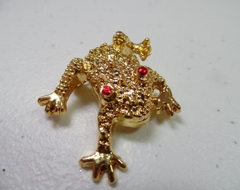 Vintage Golden Frog Brooch, Frog Pin, Animal Jewelry