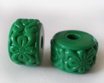 16x10mm Green floral Etched Acrylic rondelle beads - 6pcs