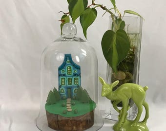 Fairy Garden Miniature Tiny House Private Island Little House with Vines