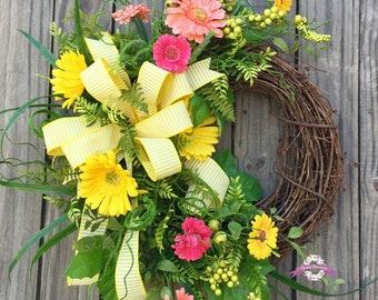 Daisy Wreath, Yellow Daisy Wreath, Summer Wreath, Spring Wreath, Front Door Wreath, Floral Wreath, Wreath, Spring Decor, Grapevine Wreath