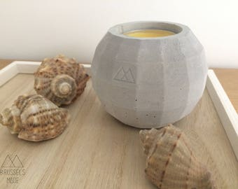 Small light grey spherical concrete tealight / set of 1