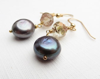 Deco Rose Black Pearl Gold Earrings