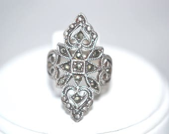 Marcasite Accents in Sterling Silver Vintage Ring US Size 5.5