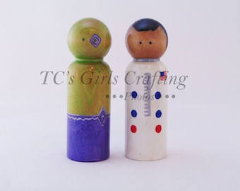 Spaceman Aliens peg people, natural peg toy,  Spaceman pegs, Alien pegs, Astronaut,  peg people, wooden peg people, peg toys, wooden toys