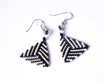 Seed Bead Earrings, Triangle Earrings, Delica Earrings, Geometric Earrings, Black Beaded Earrings, Triangle Peyote Earrings, Light Earrings