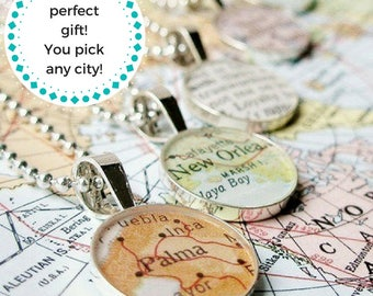Map Necklace, World Map Necklace, Custom Map Necklace, Graduation Gift, Graduation Gift for her, Graduation Gift for best friend, Mothers