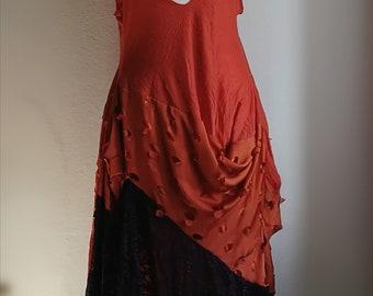 Robe de soustraction coupe asymétrique Burning Man festival. Art vestimentaire. Robe orange grande taille. Taille xxl. Inspiration steampunk.