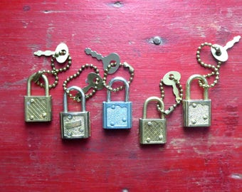 Small vintage locks and keys Tiny locks and keys Keys for small locks Jewelry box locks 5 vintage locks with keys Locks for tool boxes  #1F