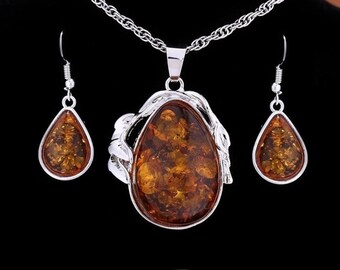 Amber coloured Necklace and Earrings