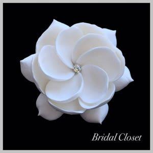 Bridal Fascinator, Bridal Hair Fascinator, Gardenia Fascinator, Wedding Headpiece, Bridal Hair Accessory, Wedding Hair Fascinator, Gardenia