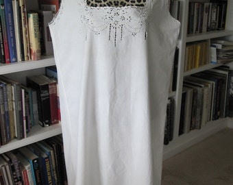 ANTIQUE COTTON EMBROIDERED Sleeveless Nightgown With Ribbons