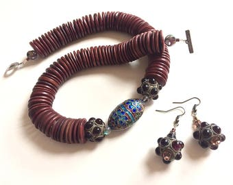 Black Cherry Surprise: Chinese cloisonne, vintage grape glass, palm wood. Necklace and earring set