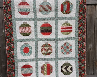 Vintage Holiday Christmas Quilt