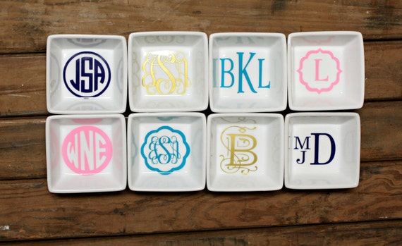 Personalized monogrammed engagement ring/wedding band square ceramic storage dish- wedding/bridal shower/Valentine's Day/Anniversary gift