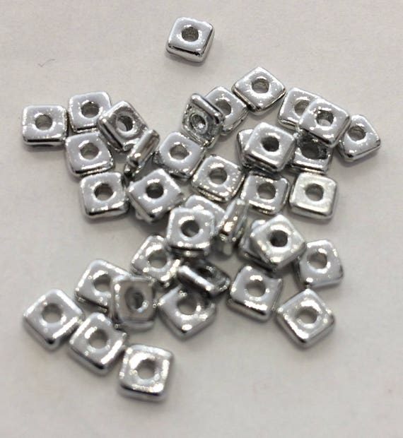 Czech Quad Beads Crystal Labrador 5g (approx 110 beads)
