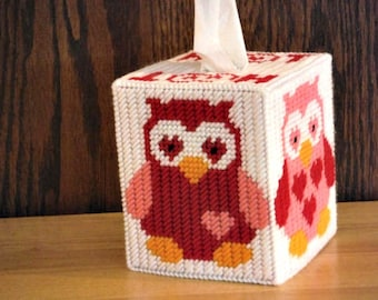 Easter Gift, Valentine Owls Tissue Box Cover, Home Decor, Plastic Canvas, Gift For Her, Needlepoint Owl, Hoot Hoot, Red Pink Hearts