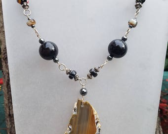 Spectaclar Agate Slice Necklace with Banded Black Onyx!