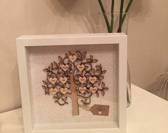 Family tree frame personalised with engraved hearts 23x23cm