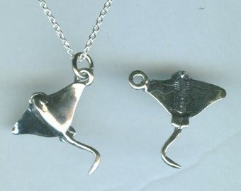 Sterling STINGRAY FISH Pendant and Chain - 3D - Marinelife, Ocean, Fishing