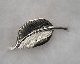Lovely Danecraft Sterling Ornate Leaf Pin Brooch