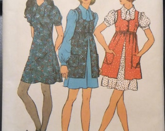 Simplicity 9800 Vintage Sewing Pattern Mini Dress and Smock Size 10 Bust 32 1/2 Uncut 1971