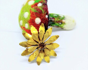 SALE! FROSTED GOLD Vintage Flower Brooch-Scarf-Brown/Amber Stone-All Orders Only 99c Shipping!!