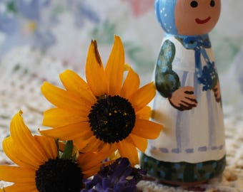 "Bluebonnet Girl - Peg Doll Pioneer Girl - Large 3.5"" size"