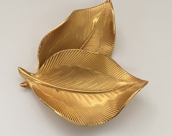 """Vintage Signed Giovanni Dramatic Dimensional Two Leaf Brushed Gold Tone Brooch, 2"""" x 2.25"""""""