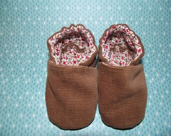 Light Brown corduroy baby booties shoes with tiny flower inside -  Size US 2 for 3 - 6 Months