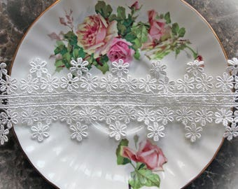Reneabouquets Trim- Daisy Chain Lace , Embroidery,  Venice , Bridal, Costume Design, Lace Applique, Crafting