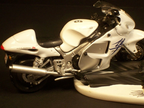 Motorcycle White Or Red SUZUKI GSX 1300 R Hayabusa Bride And Groom Funny  Wedding Cake Topper Groomu0027s Cake