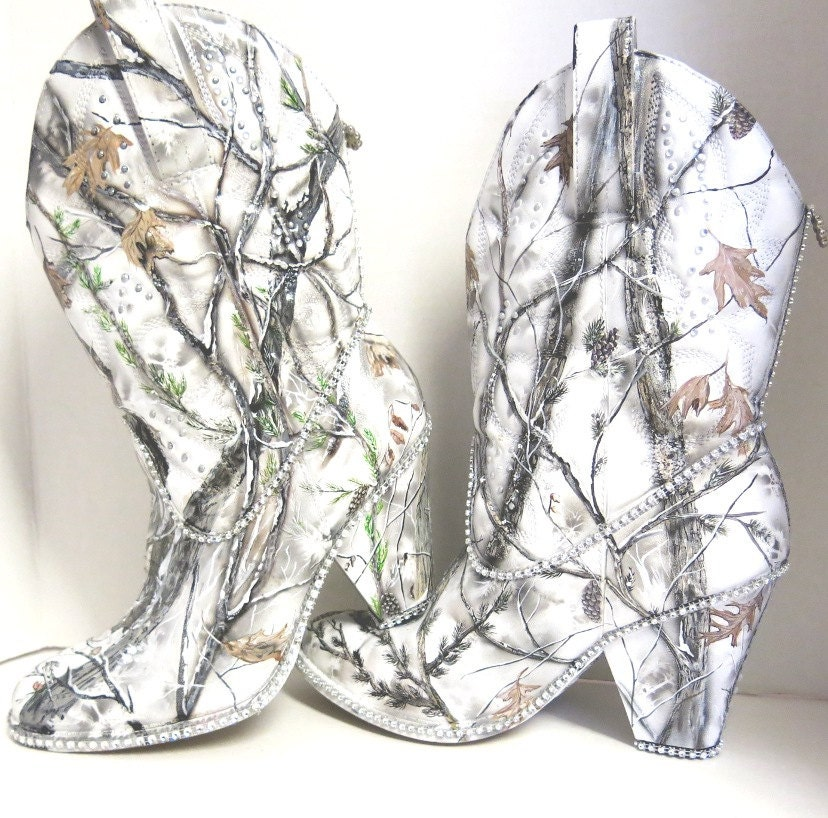 Snow White Camouflage womens western bridal boots Hand