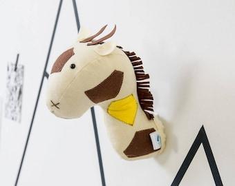 Nursery decor, Giraffe head, Wall hanging, animal decor, Safari, animal room, felt giraffe, animal head,Kids room, Faux taxidermy, giraffe