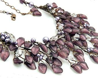 Amethyst Purple Statement Necklace, Purple Bib Necklace, Purple Wedding Necklace, Bridal Accessories, Nature Jewelry, Leaf Jewelry