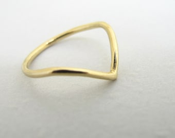 Point Ring - 14k Gold Chevron Peak and Valley Minimalist Triangle Stackable Ring