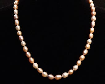 River pearls necklace pink color