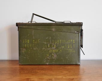 Distressed Metal Ammo Box, Rusty Metal Bin Ammo Can, Waterproof Locking Lid Industrial Military Green Metal Box, Man Cave Ammunition Storage