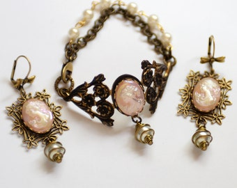 Romantic Cameo Cuff Bracelet and Earrings Set, Victorian Inspired Jewelry, Pink Jewelry, Neo-victorian, Flat Rate Ship, Cameo bracelet set