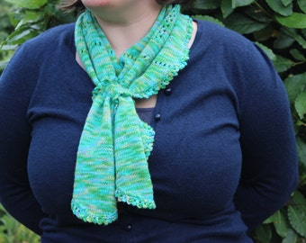 100% Merino neck scarf: green merino wool scarf, soft scarf, lace work