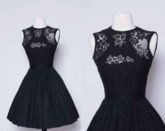 Vintage 50s black lace dress / sleeveless fit & flare dress / pin up dress / pleated swing dress / little black dress