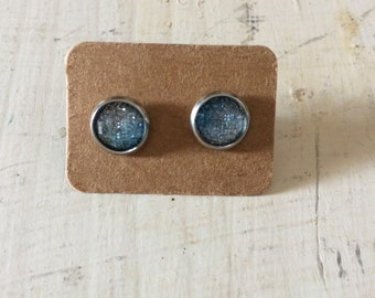 Blue white ombre cabochon earring