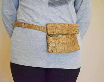 Leather waist bag. fanny pack. Travel bag. Hip bag
