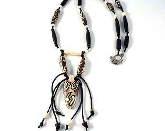 Tribal Necklace - Unusual Necklace - Statement necklace - Black Necklace - Ethnic Necklace - White Necklace -  Beaded Necklace - 270 N