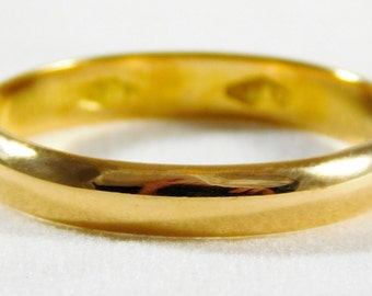 Gents 18kt Yellow Gold Wedding Band