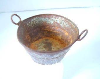 Miniature Rusty Wash Tub ~ Miniature ~Fairy garden ~ Dollhouse ~ Terrarium ~ Accessories
