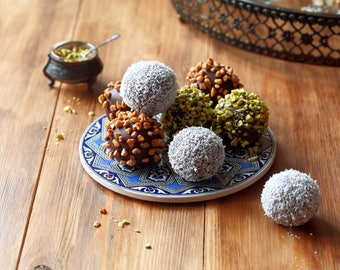 Dark Chocolate Hazelnut Truffles (Natural, Gluten-Free, Vegan, Paleo, Raw, Organic)